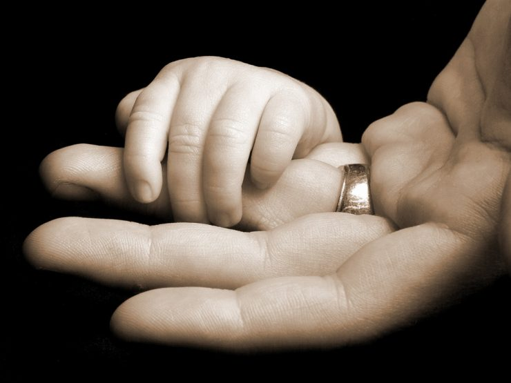 Возврат алиментов после оспаривания отцовства